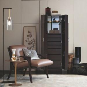 Armchairs & Chairs