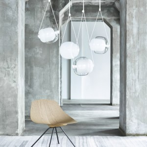 CAPSULA Single Brokis PC937 pendant lamp transparent glass white opaline