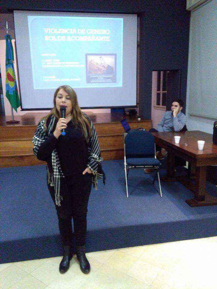 Claudia Vivas muy dura con Goga por la 'Reestructuración' de las Mesas de Violencia de Género y Derechos Humanos