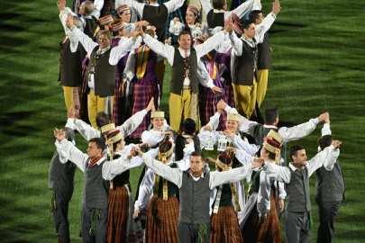 Nemunas y Mindaugas en el Festival de la Danza del Centenario - Šokių Šventė1