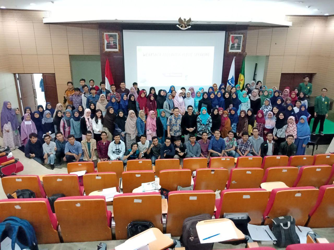"""""""Workshop """"Academic Public Speaking"""" Bagi Mahasiswa  Fakultas Matematika dan Ilmu Pengetahuan Alam"""