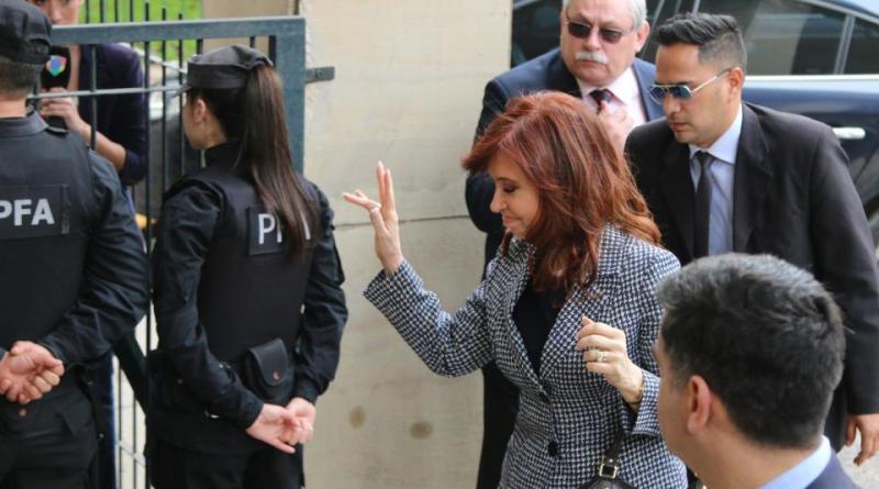CFK se presentó ante el juez Casanello
