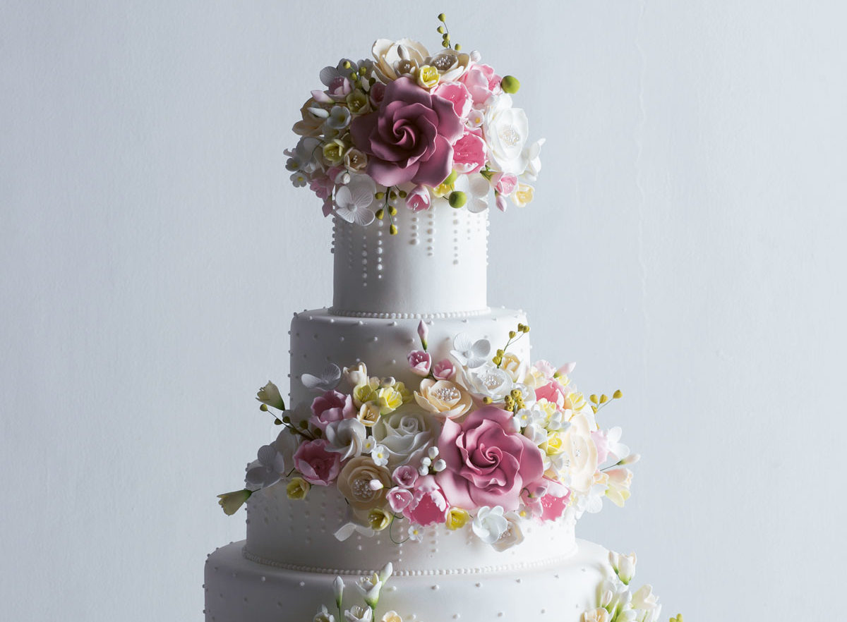 The True Cost Of Wedding Cakes