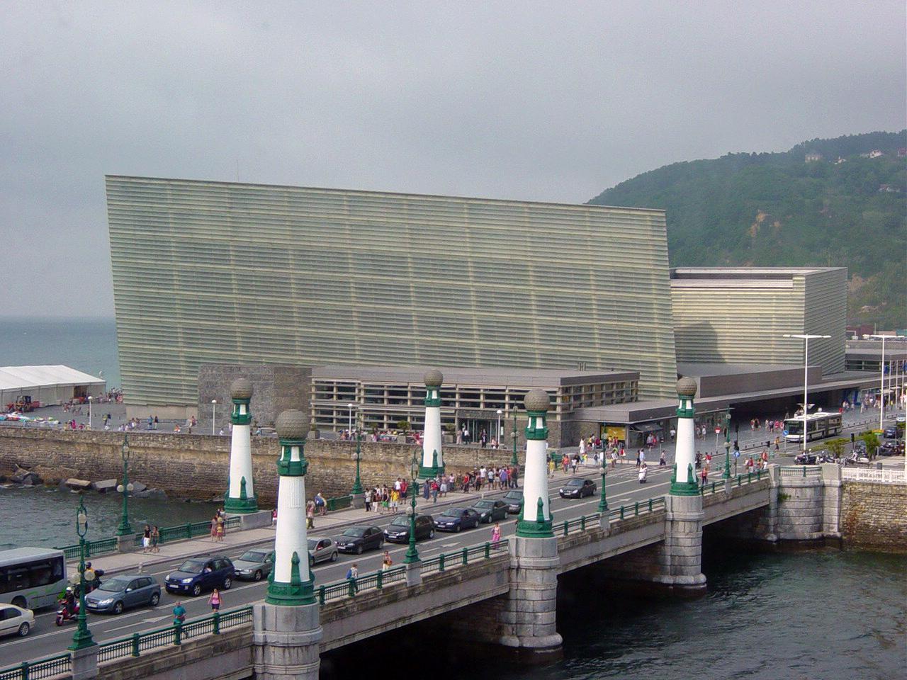 kursaal congress photo by generalpoteito Wikimedia Commons