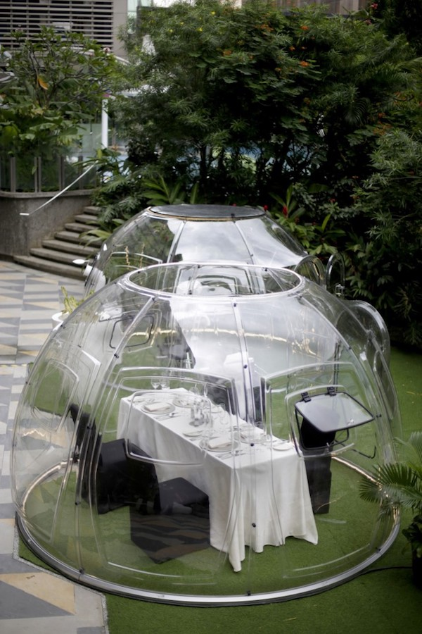 outdoor dining bubble