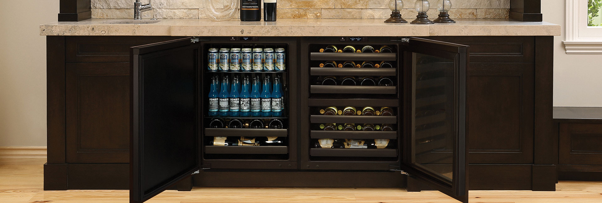 U-line 標誌性 Wine Captain® 酒櫃與飲料櫃