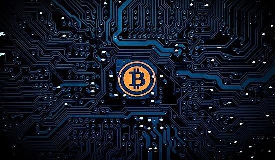 ビットコインの怪しい動き、大量のトランザクション....さらなる下落の前兆?