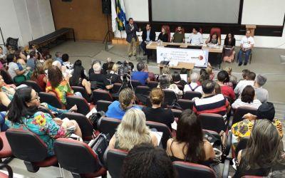 [RJ] Com o auditório lotado, a UERJ foi o espaço de resistência escolhido para o lançamento da etapa estadual da Conferência Nacional Popular de Educação