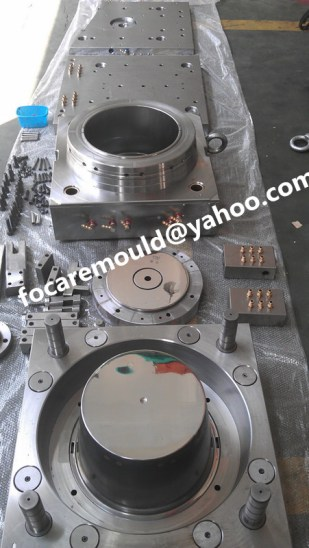 20L pail mold under manufacturing