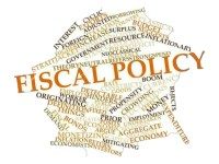Política Fiscal a Futuro: Abordando Crecimiento y Bienestar  Económico a la Vez
