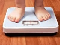 Más allá de la dieta y el ejercicio: uso de antibióticos y obesidad en adolescentes y niños