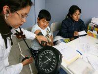 ¿El seguro de salud en niños conduce a reducciones en la anemia y mejora el rendimiento de los estudiantes? Evidencia de una regresión discontinua nítida en Perú