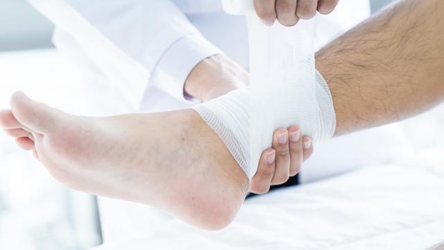 Was Ist Eine Prellung Und Wie Wird Sie Behandelt Focus Arztsuche