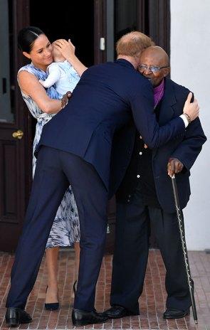 prince-harry-hugging-tour