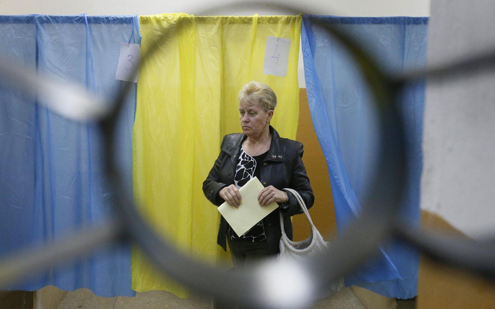 Лоскутная демократия. В какие цвета раскрасят карту Украины местные выбо...