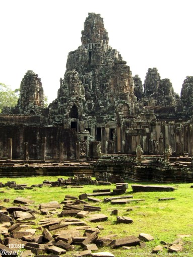 """""""Path to Angkor Wat"""""""