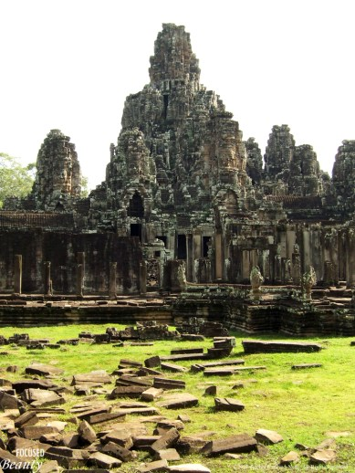 """Path to Angkor Wat"""