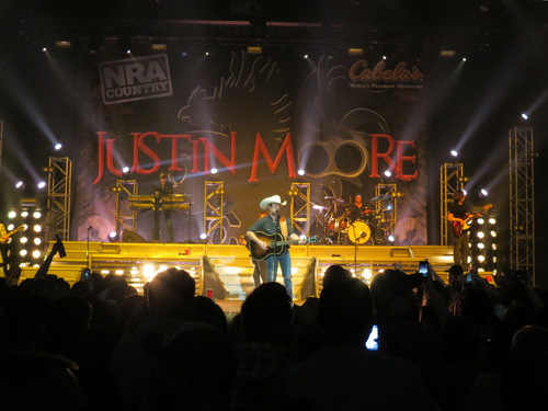 Justin Moore, Point At You
