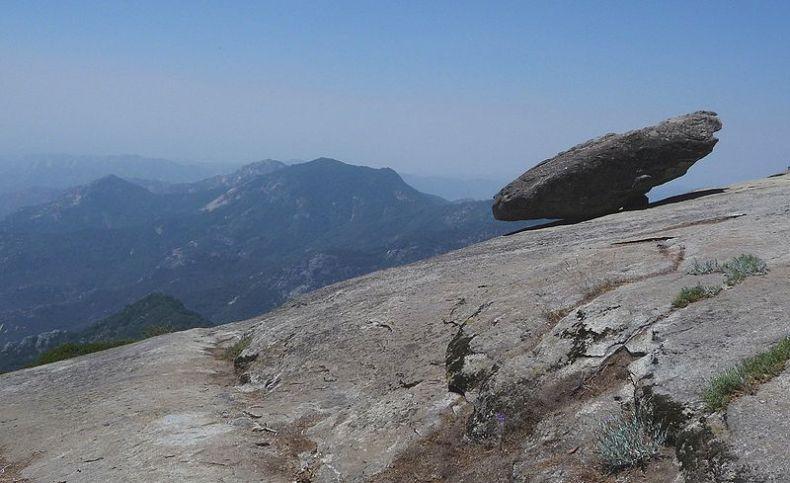 Hanging Rock Sequoia National Park