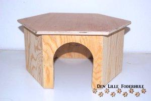 Hexagon marsvinehus - det mindre hus til marsvin og andre smådyr - Den Lille Foderhule