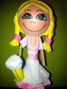 Fofucha Weber: chica alemana Dirndl rosa (Bolígrafo). 20 cm