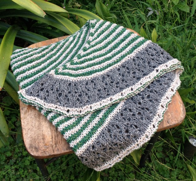 muh muh shawl icelandic bind off contrast color knit shawl stripes