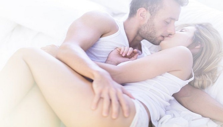 how to satisfy woman in bed