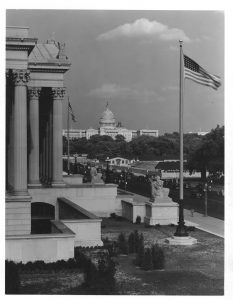 Capitol & Archives w flag 7820630
