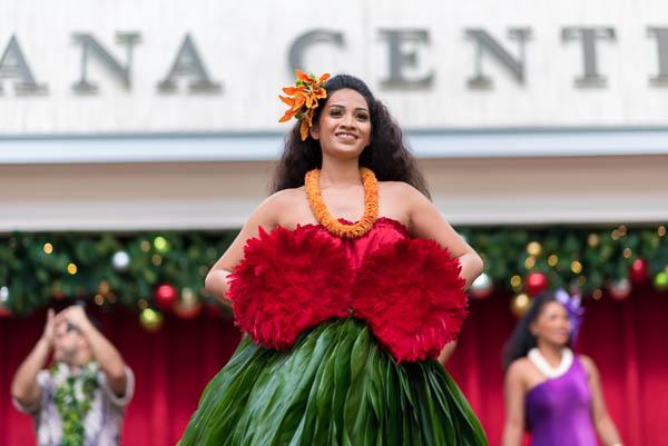fokopoint-7466 Christmas Hula Show at Ala Moana Center