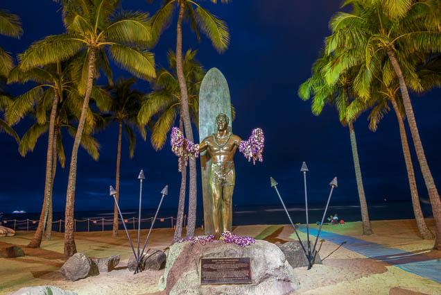 fokopoint-9125 Duke Kahanamoku Statue in Waikiki