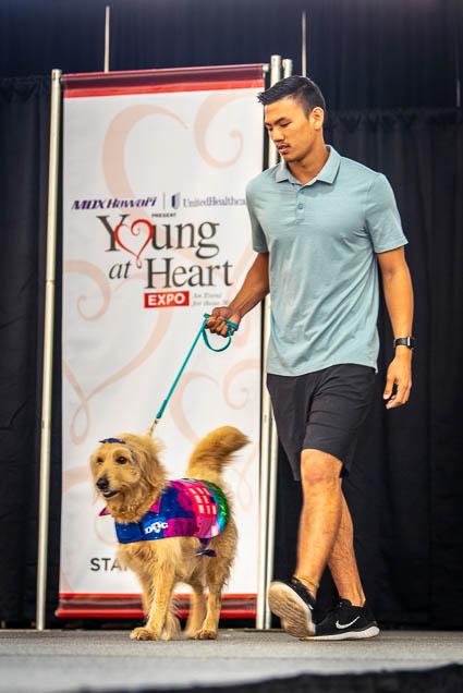 celebrities-pets-fashion-show-2019-honolulu-fokopoint-8859 Celebrities and their Pets Fashion Show 2019