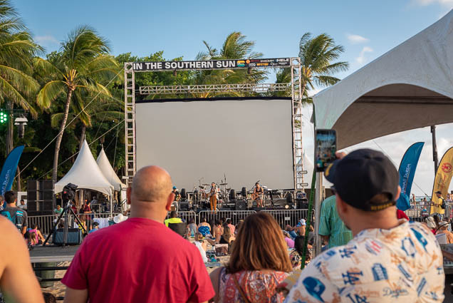 in-southern-sun-2019-queens-beach-waikiki-honolulu-fokopoint-7821 In the Southern Sun at Queen's Surf Beach