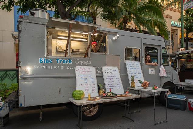 blue-track-teppanyaki-food-truck-fokopoint-1213 Waikiki Bazaar Festival