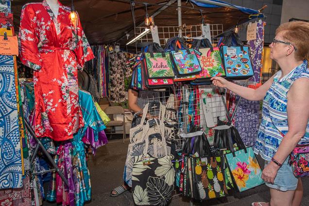 handbags-waikiki-bazaar-festival-2019-fokopoint-1238-1 Waikiki Bazaar Festival