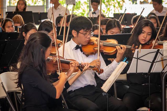 violinists-hawaii-youth-symphony-salt-kakaako-fokopoint-1313 Hawaii Youth Symphony at Salt Kaka'ako