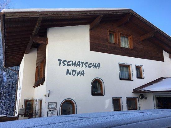 Tschatscha Nova