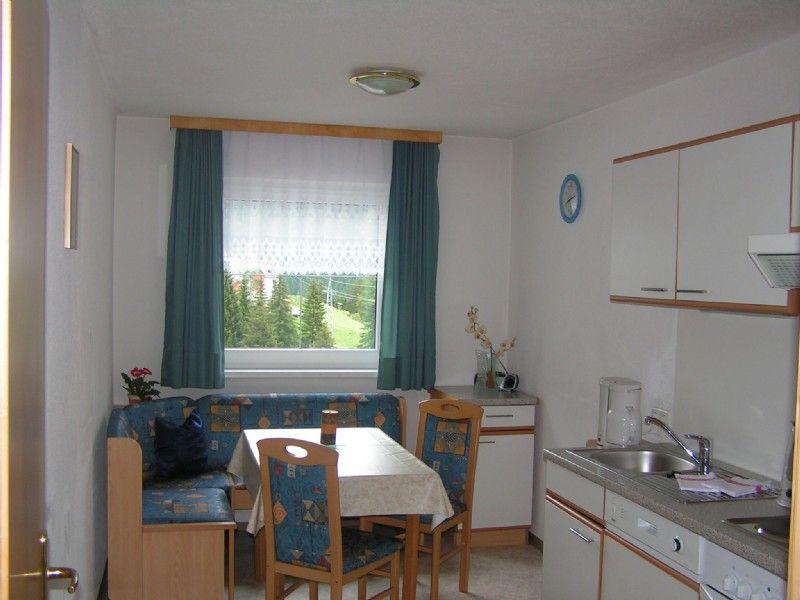Zöhrer, Lejlighed 3
