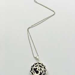 Colier cu simbolul OM din argint