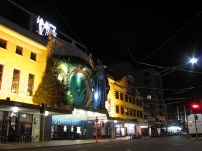 Loving the Embassy Theatre. Wellington cinema at its finest. And now with a touch of the Hobbit.