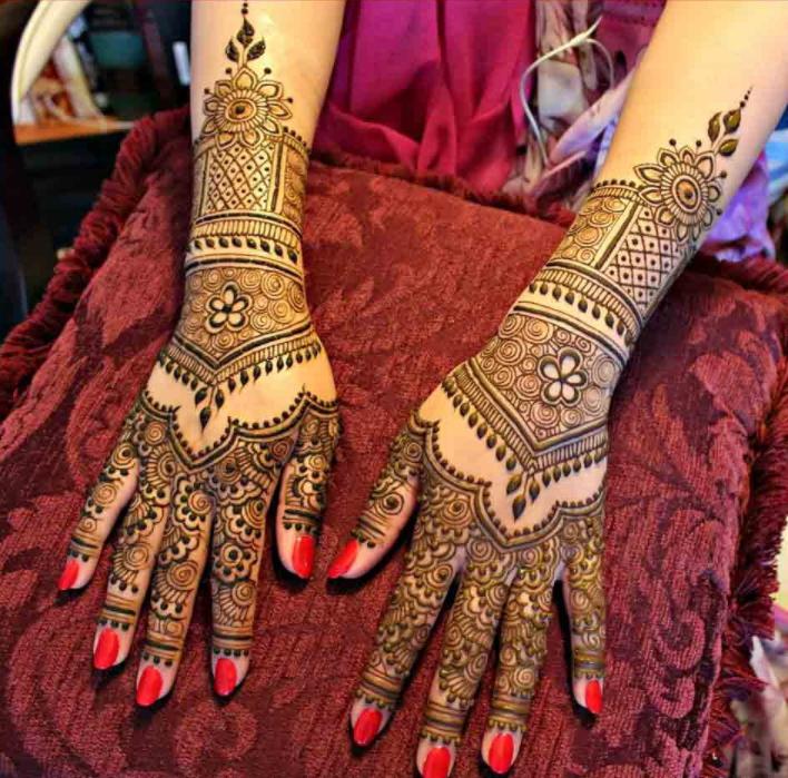 Mehndi Design For Bridal Collection : Best mehndi dresses for pakistani brides  folder