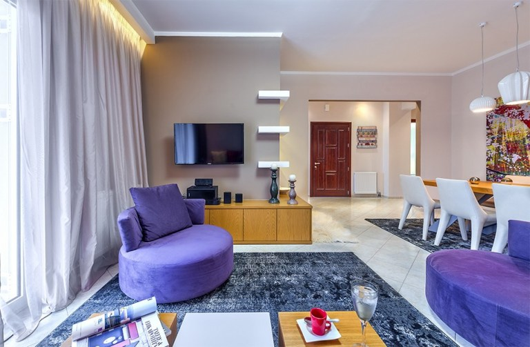 Freshness-joy-and-color-interior-design-by-Elina-Dasira-www_homeworlddesign_-com-2