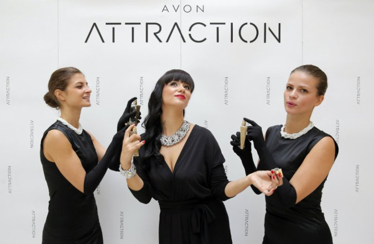 Predstavljanje novog Avonovog parfema Attraction 3