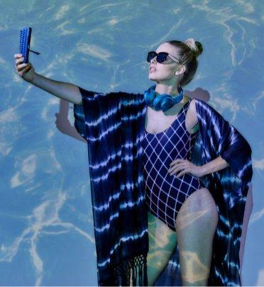 Sony x AURIA_Futrola za telefon_lifestyle