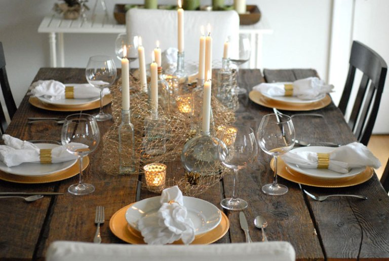 http-__www.restoredstyle.com_holiday-tablescape_