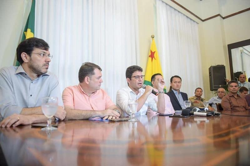 Cameli fala com a imprensa sobre coronavírus/Foto: Secom
