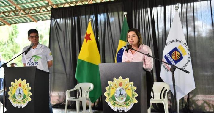 Prefeita Socorro Neri e o governador Gladson Cameli, em 16 de março, anunciando as primeiras medidas de isolamento social