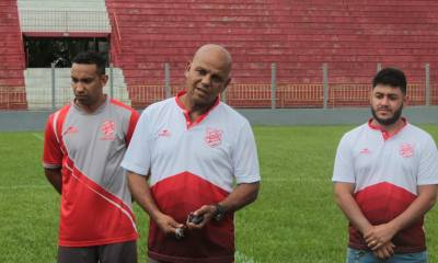 Rio Branco realiza primeiros trabalhos com bola na Estradinha