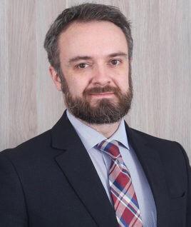"""""""Apenas a vacinação em massa pode permitir que as atividades econômicas voltem por completo, em especial setores que produzem muitos empregos, como gastronomia, turismo, cultura e lazer"""", afirma o advogado Fabio Peres (Foto: Divulgação)"""