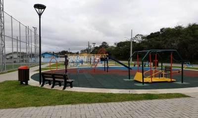Praças e parques públicos são fechados em Paranaguá