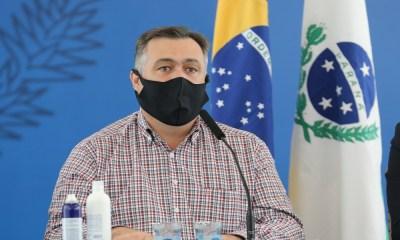 """""""A pandemia está no seu momento mais duro"""", afirma o secretário da Saúde"""